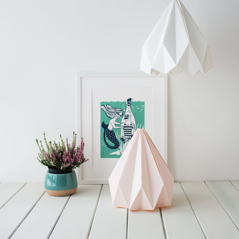 Candeeiro de papel Origâmi, modelo Lusco, branco