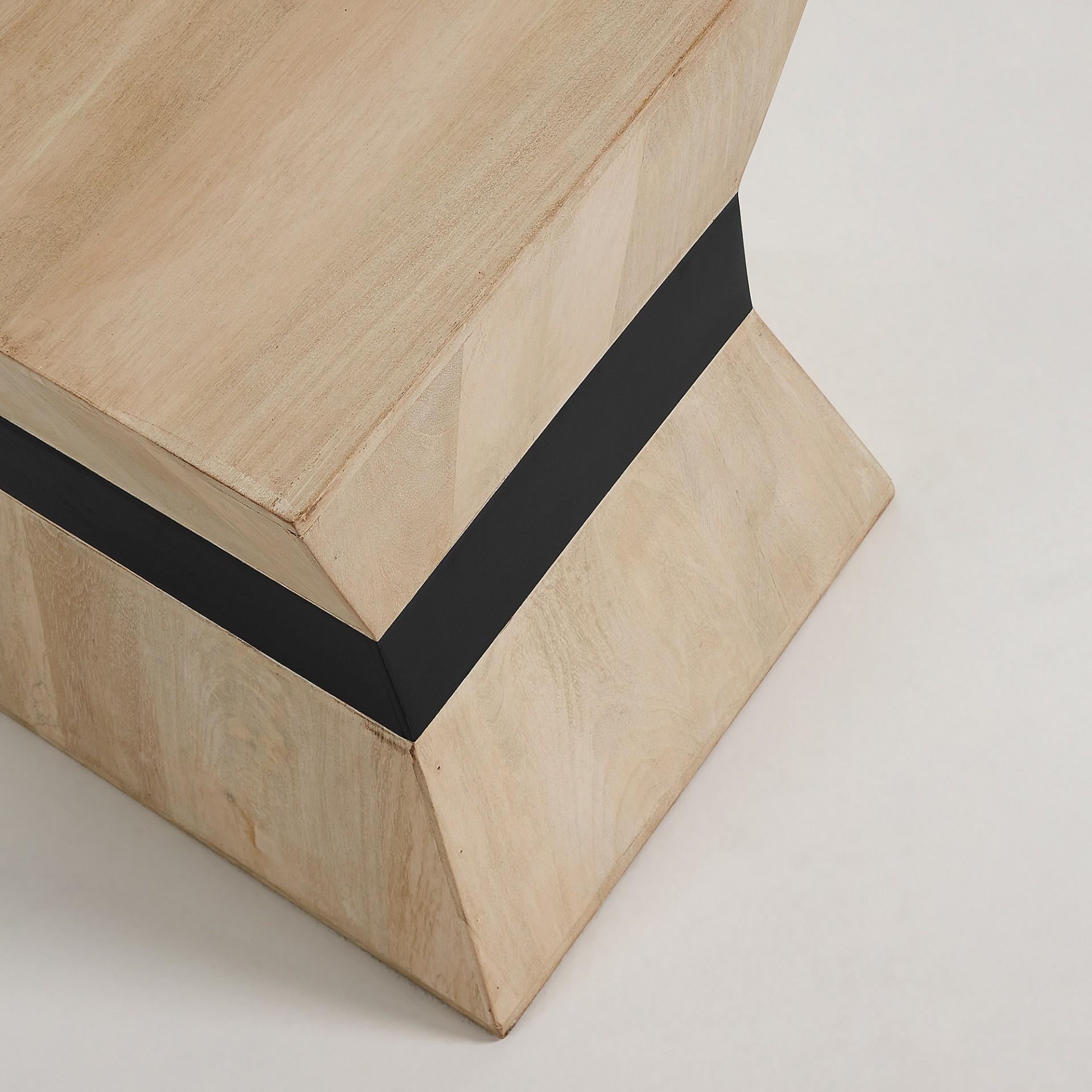 Mesa auxiliar Poke em madeira manga, 48,5x35 cm
