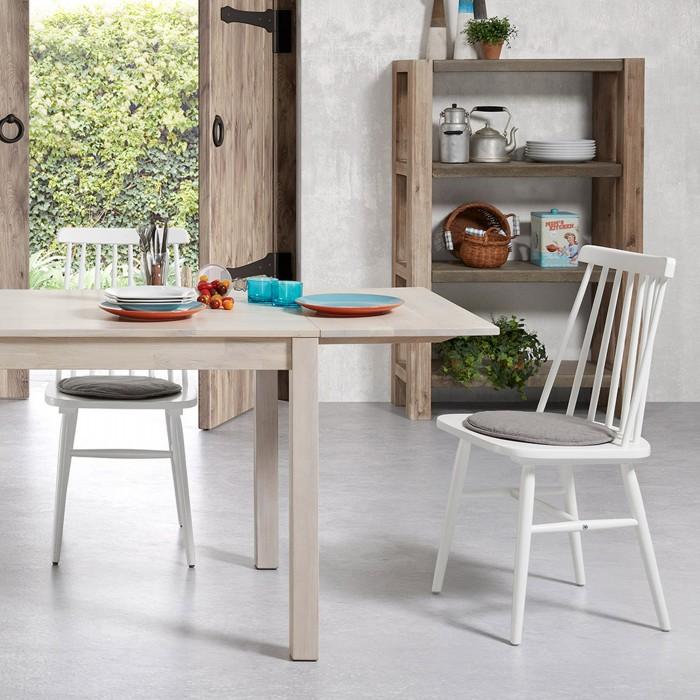 Cadeira em madeira de seringueira natural