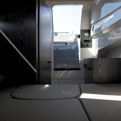 Gran Turismo 10.5 White + 2x BF250