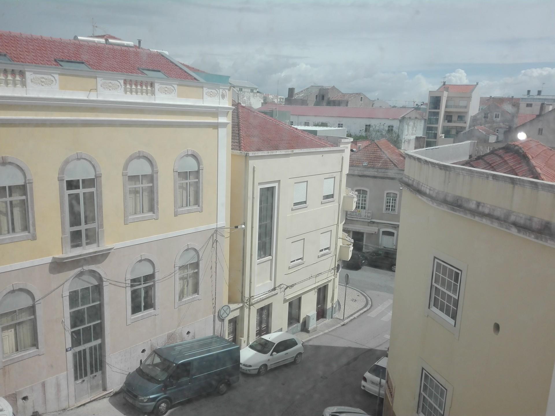 Imóvel do Banco - Apartamento T3 ao pé Largo Luís Camões