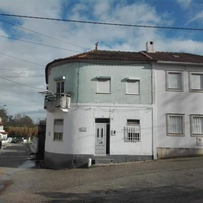 Imóvel do banco - Apartamento T3 + Sótão ao pé Agrária