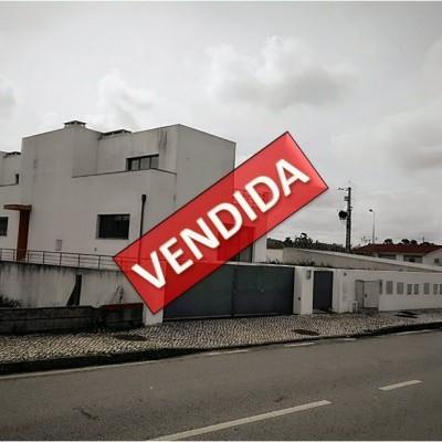 Imóvel do Banco - Moradia em Banda T3 - NOVA em Santo Varão