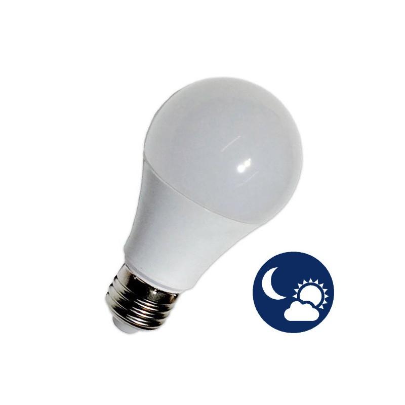 L mpada led e27 10w a60 crepuscular led global for Bombilla sensor crepuscular