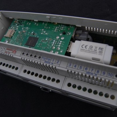 CM-BOX