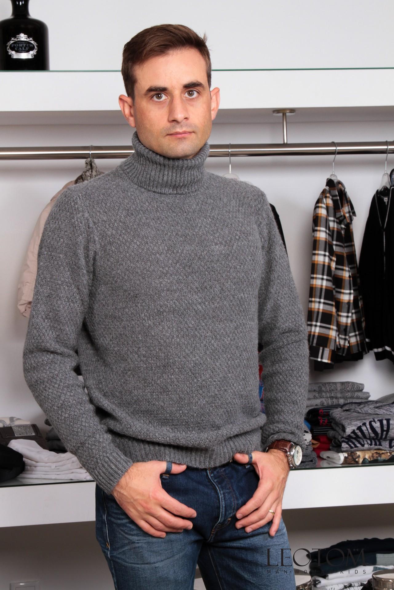 Camisola gola alta masculina cinza Individual