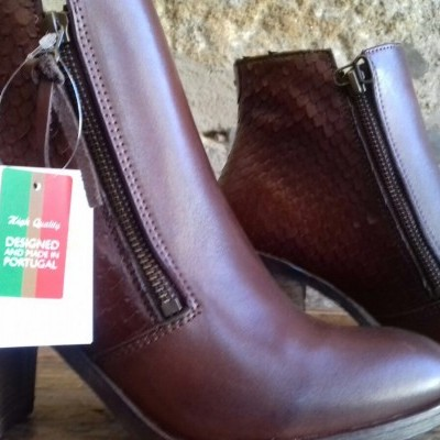 Botins Carpet Tequilha Marron