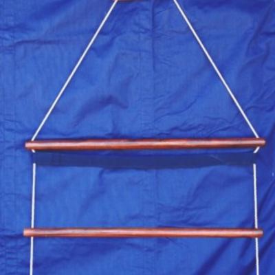 Cabide de madeira para mantas, Dy'on