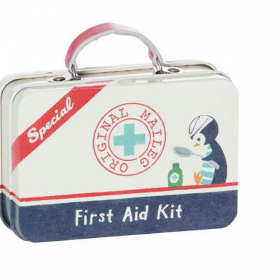 "Metal Suitcase First Aid | Caixa em metal ""First Aid"""