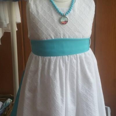 Vestido bordado inglês geométrico