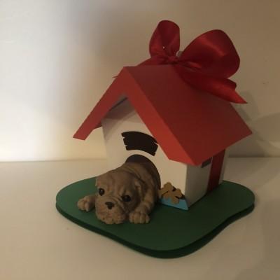Cão em Gesso Perfumado em casota de papel