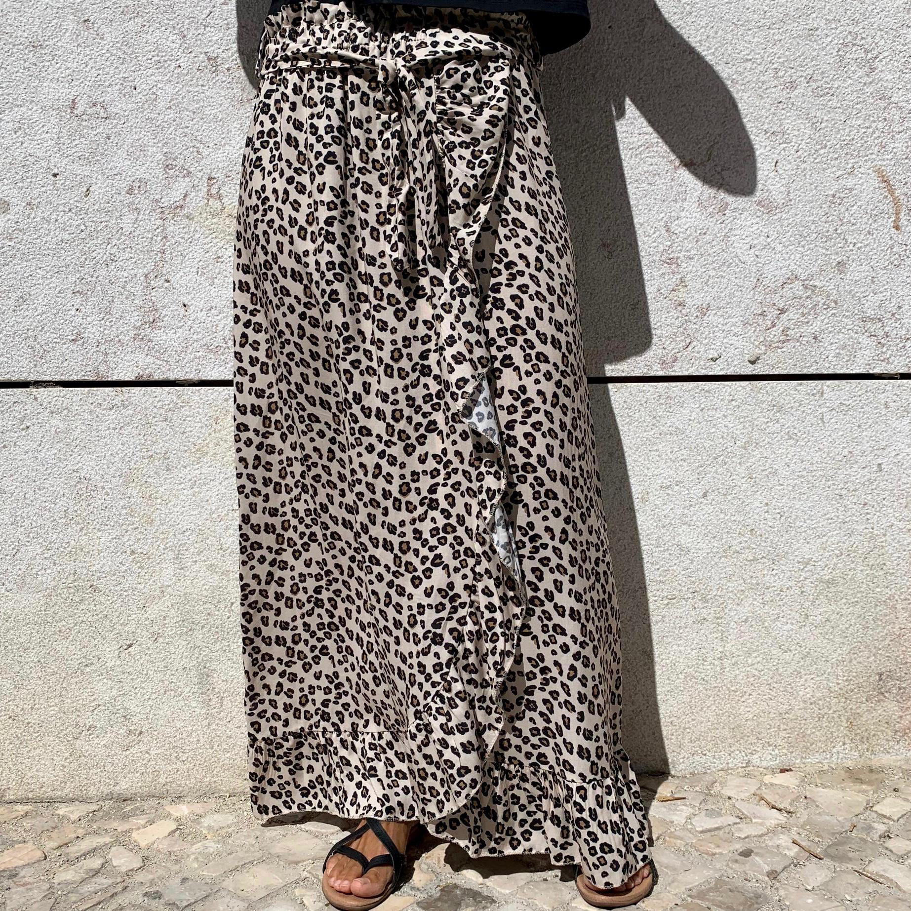 Saia Folho Padrão Leopardo