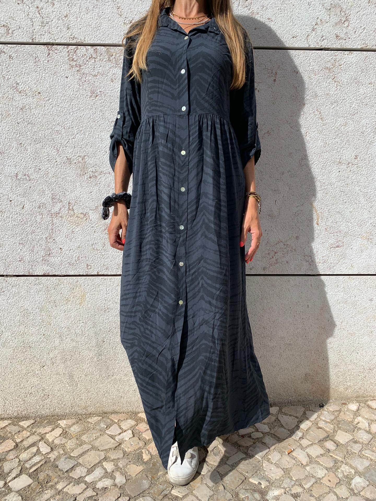 Vestido Comprido com Padrão Cinza Escuro