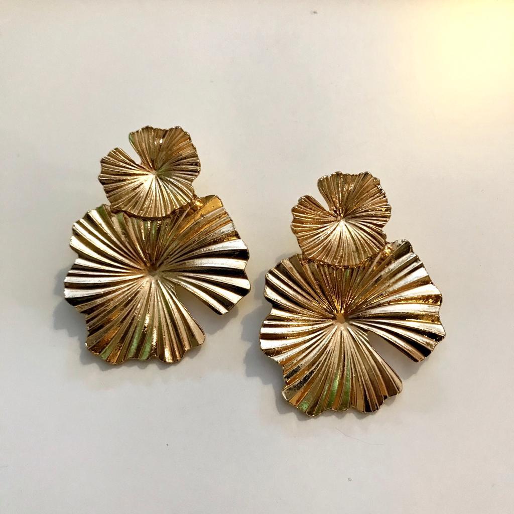 Brincos Dourados Flores Duplas
