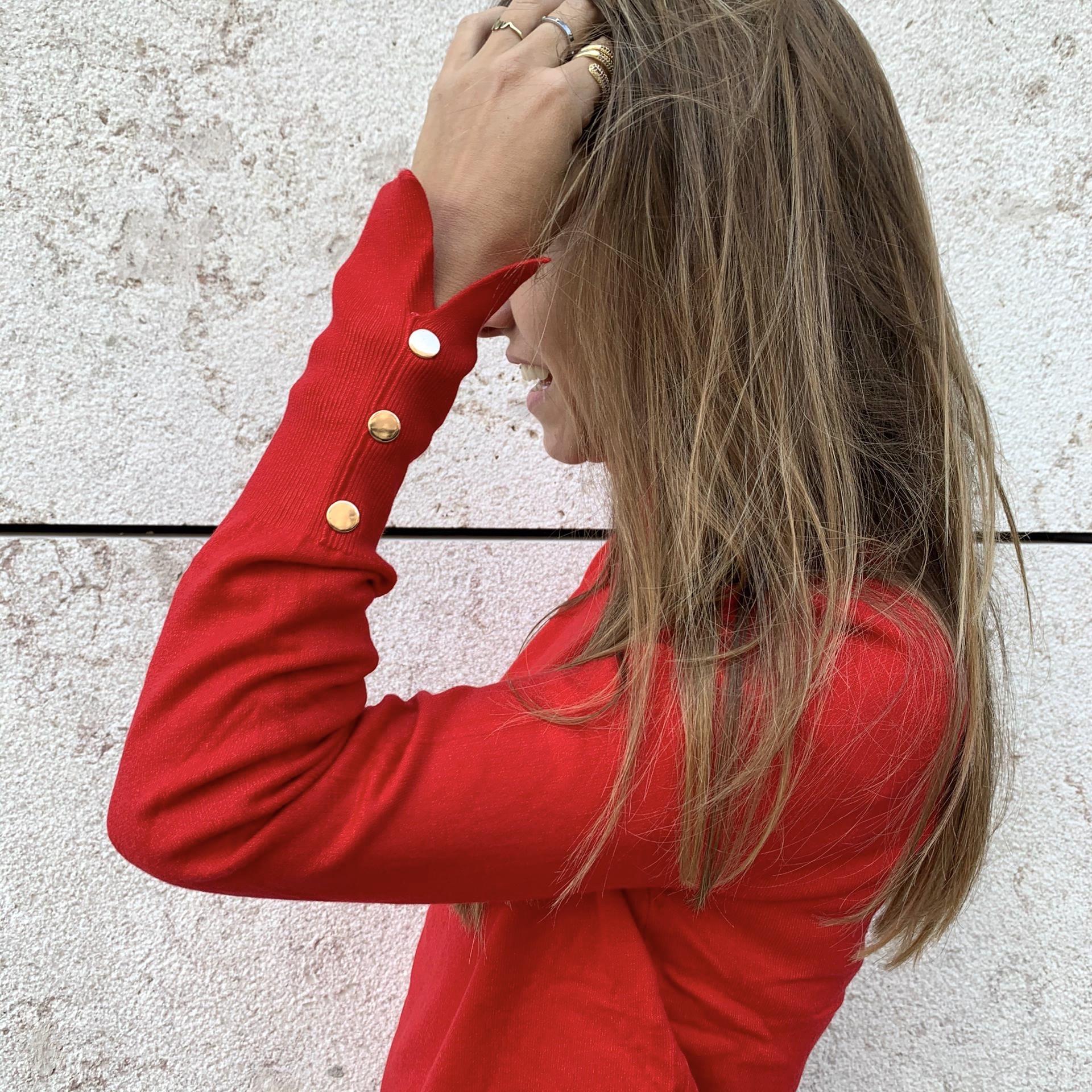 Camisola de Gola Alta Botões nos Punhos | Vermelho