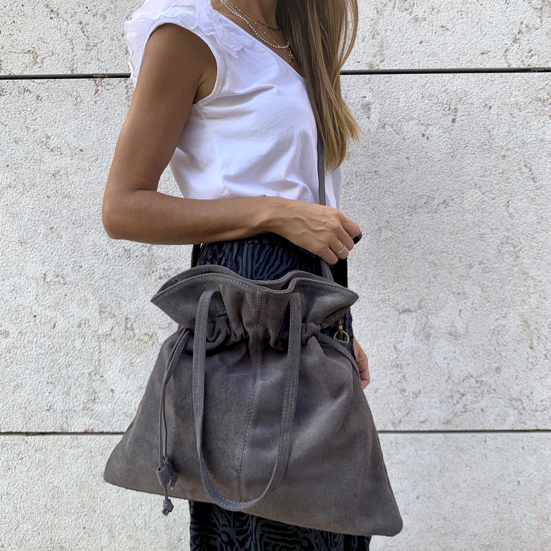 Mala Saco Camurça | Cinza