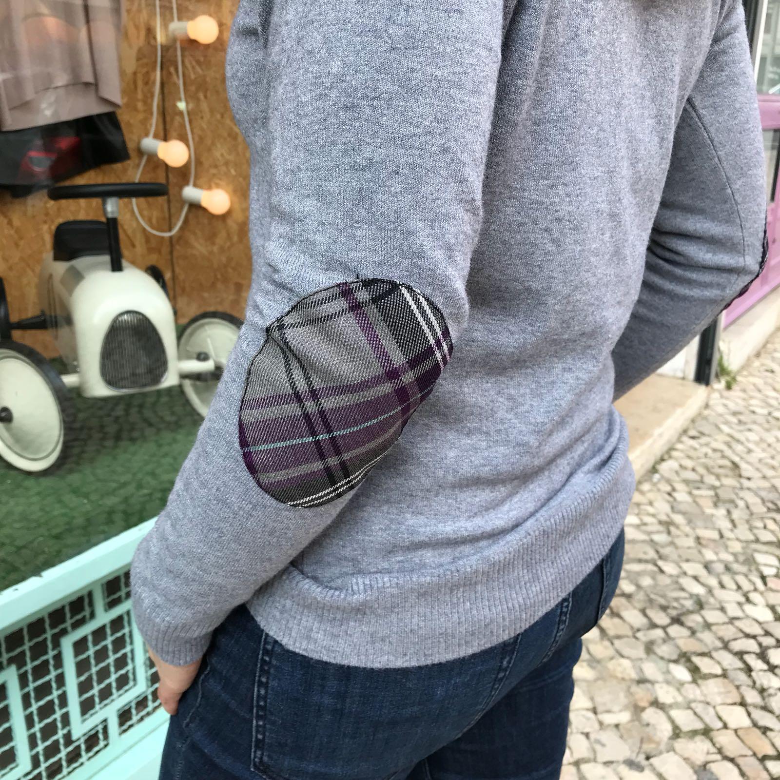 Camisola Cinza | Cotoveleiras Xadrez Roxo