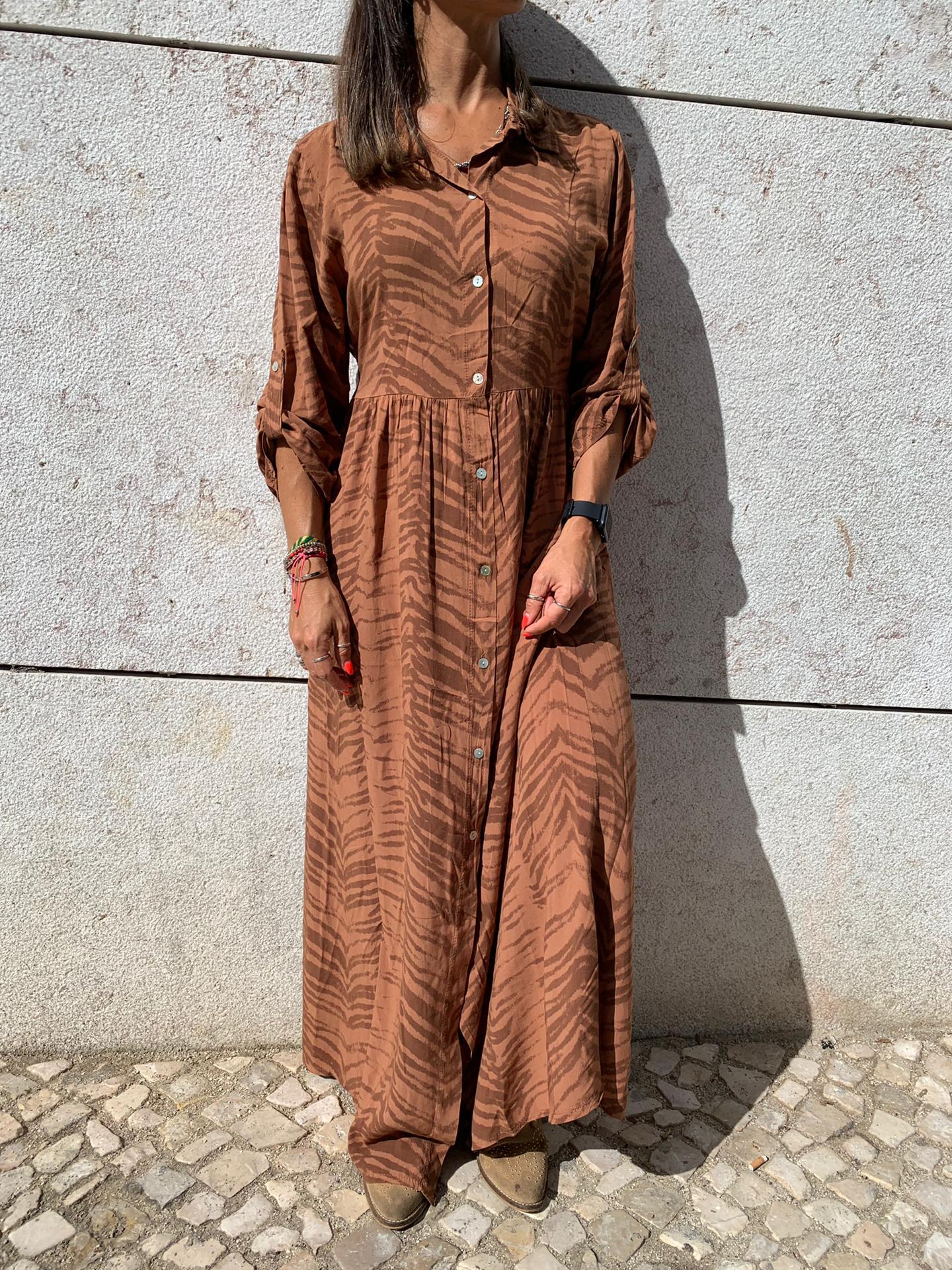 Vestido Comprido com Padrão Camel