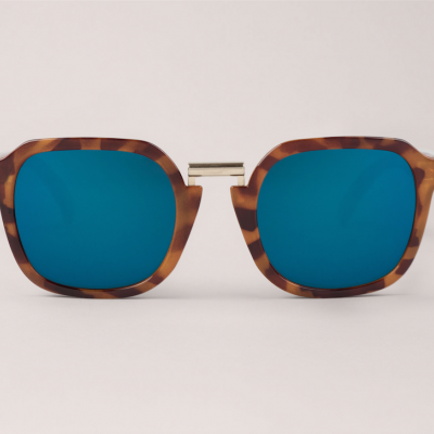 Leo Tortoise Bushwick  with dark blue lenses