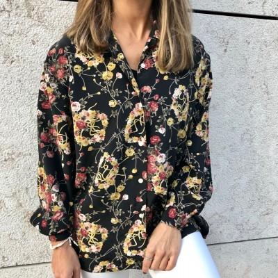 Camisa Preta Padrão Flores