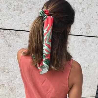 Elástico Cabelo | Padrão folhagem fundo vermelho