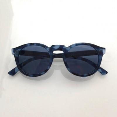 Monochrome  Blue Jordaan