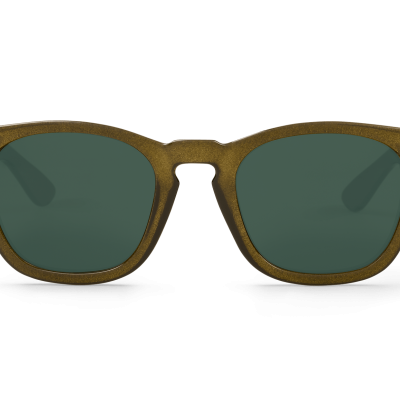 Olive Isola w/ classical lenses