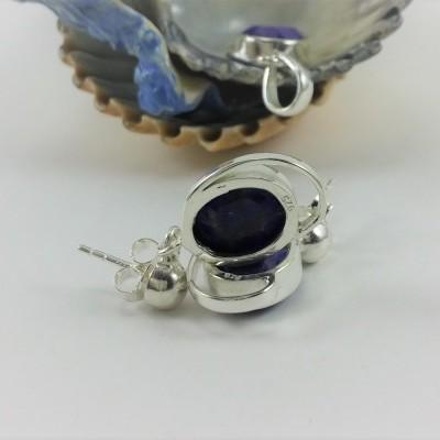 Brincos em prata com pedra semi-preciosa de Safira