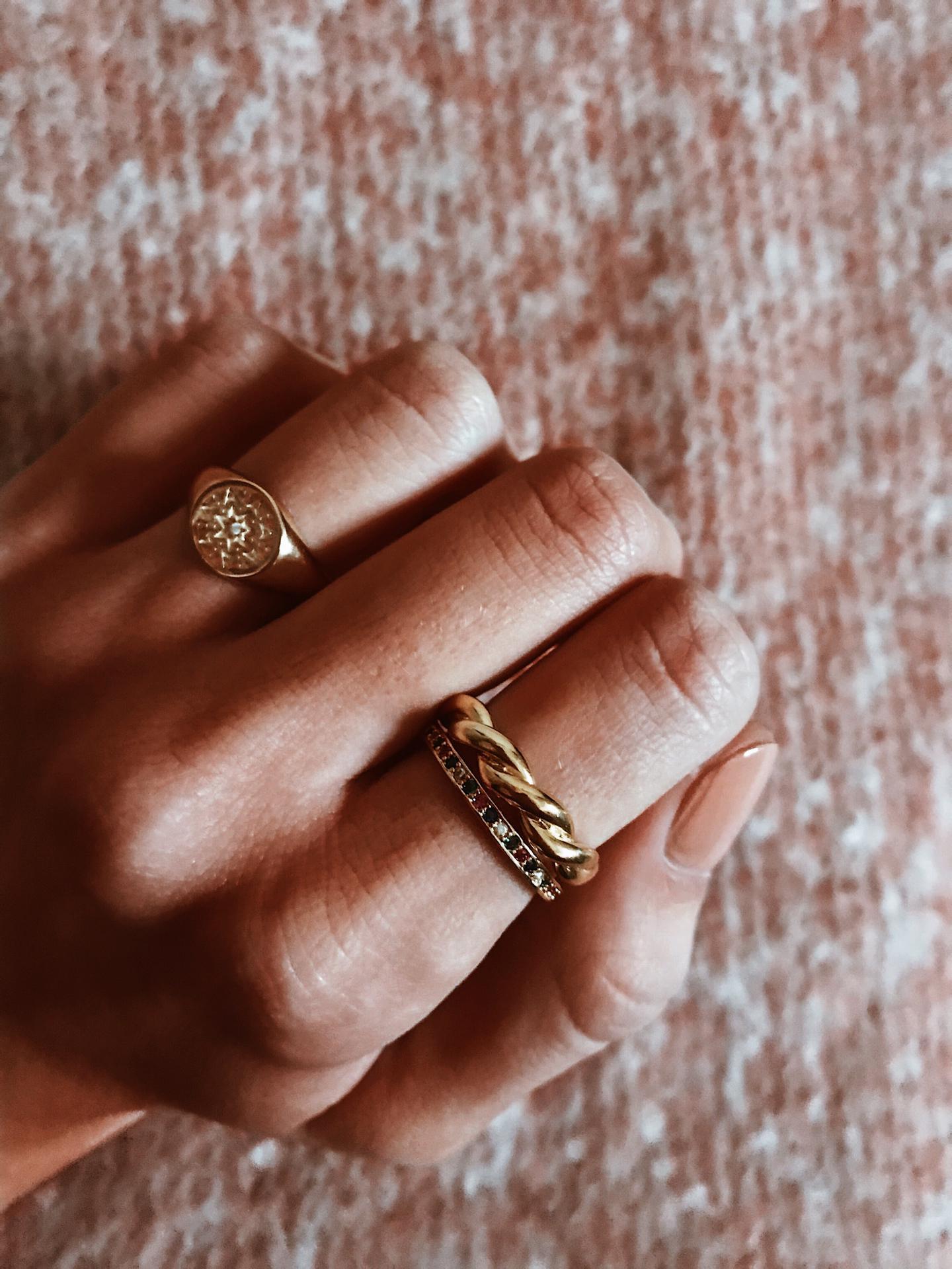 Anéis em prata dourada