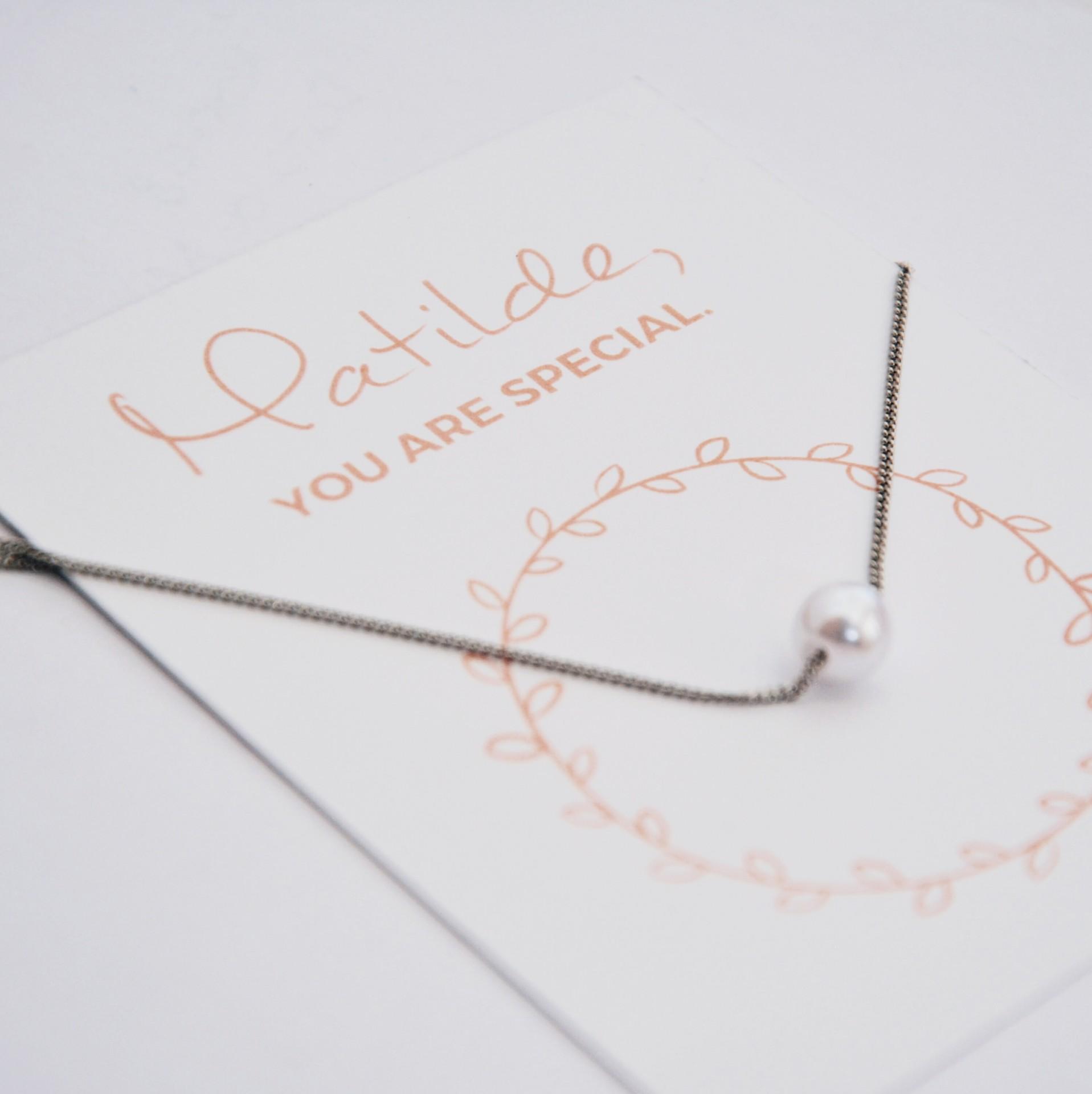 Colar - Name Card