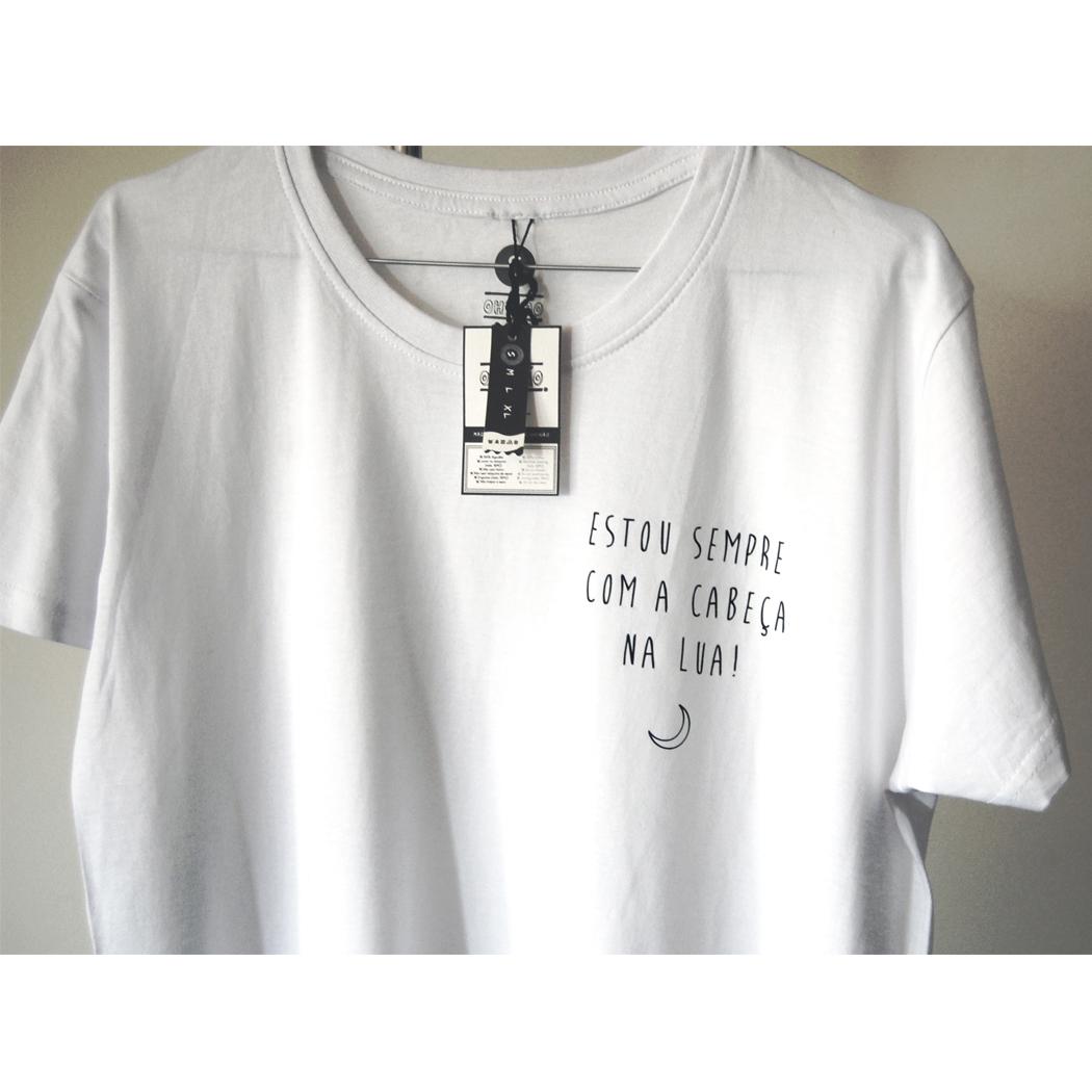 """T-shirt """"Estou sempre com a cabeça na lua"""""""