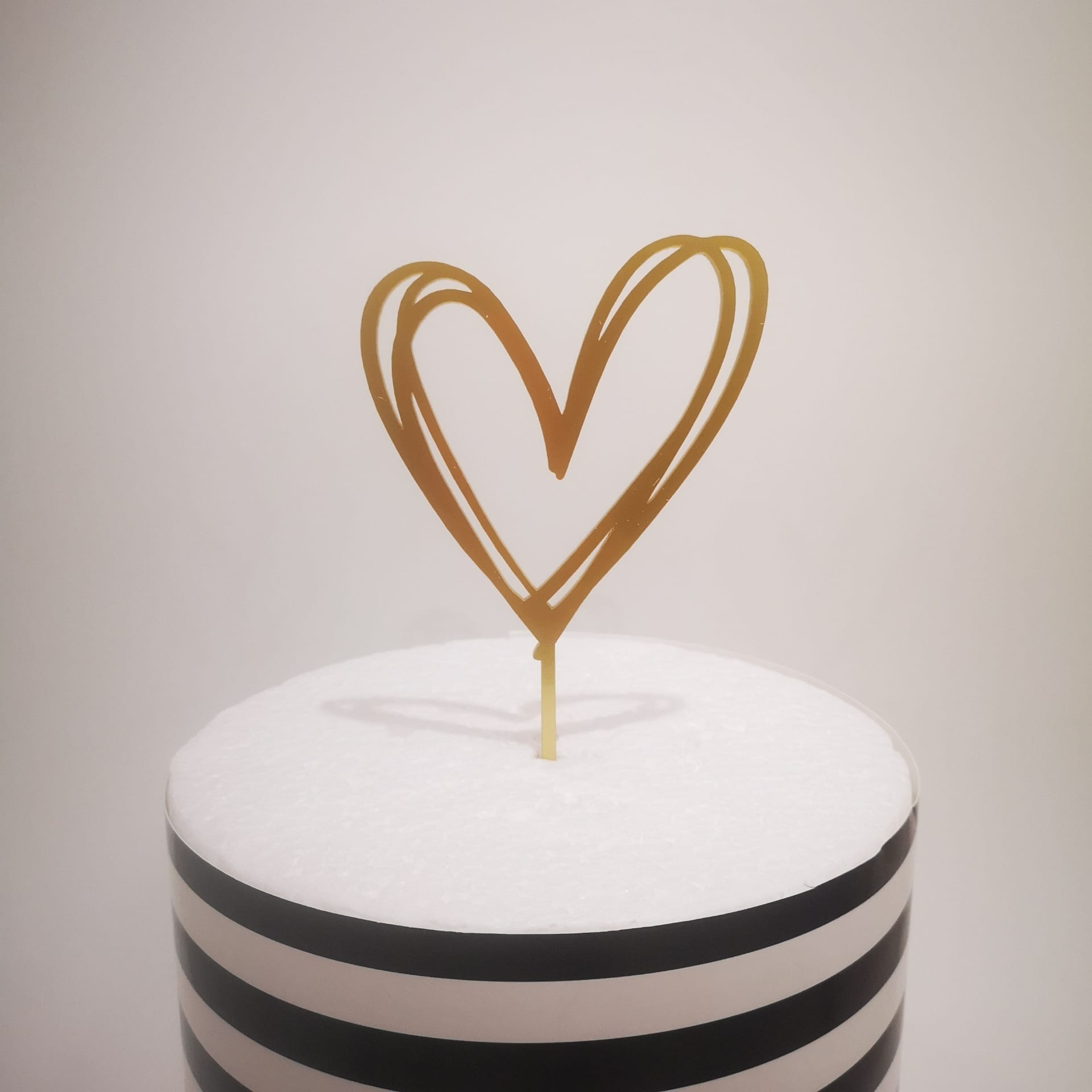 Topo Bolo Coração Dourado