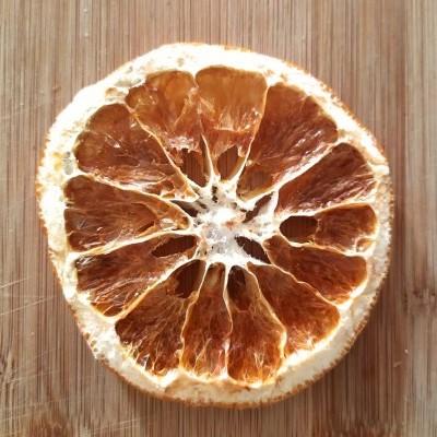 Fruta desidratada de produção biológica