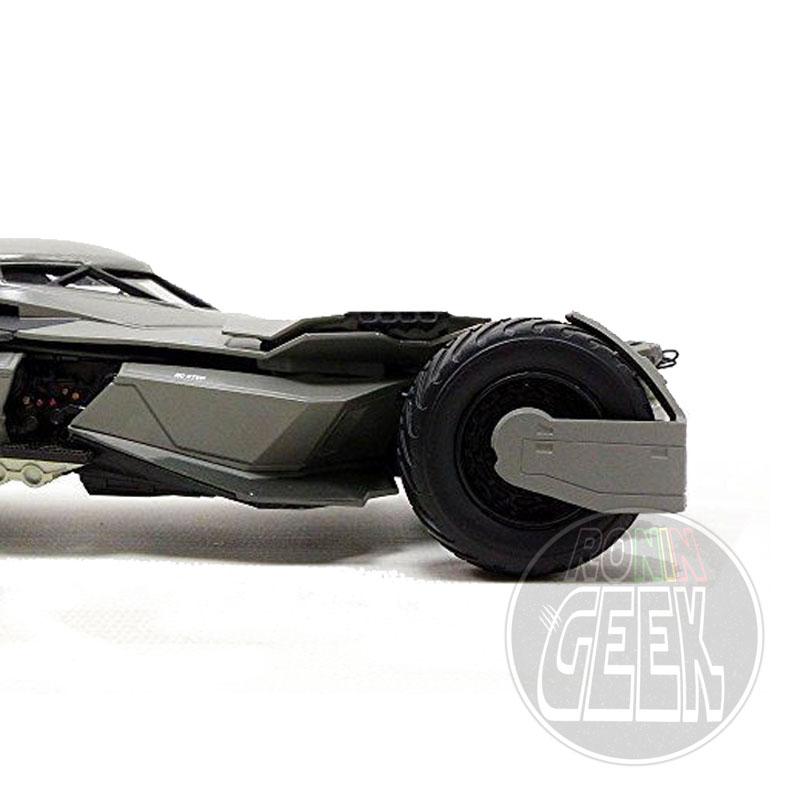 HOT WHEELS Elite Edition Batman vs. Superman Diecast Modell 1/18 New Batmobile