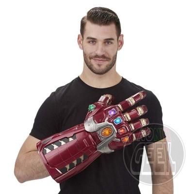 HASBRO Marvel Legends Articulated Electronic Power Nano Gauntlet