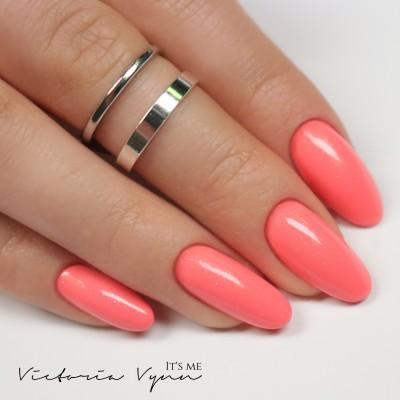 Victoria Vynn 226 - Living Coral