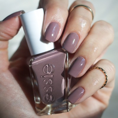 Essie Gel Couture 70 – Take Me To Thread
