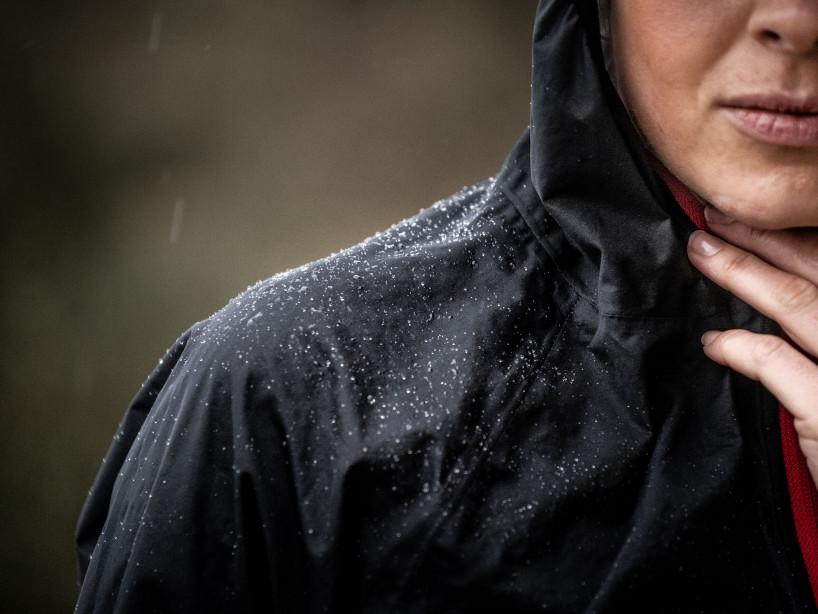 Men running jacket l Hurricane Jacket v2 by Compressport