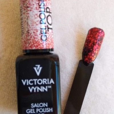 Victoria Vynn Top Coat sem goma com glitter vermelho - 8 ml