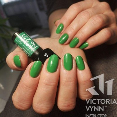 Victoria Vynn Verniz Gel Nº 221 - Green Grass - 8 ml