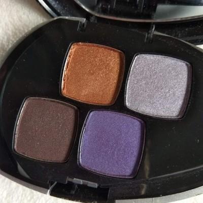 Quarteto de Sombras Boticário com espelho
