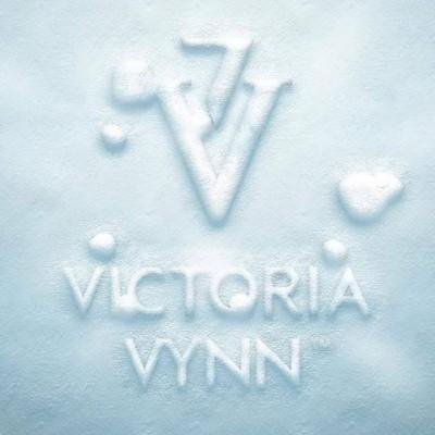 * Victoria Vynn *