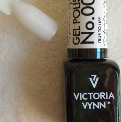 Victoria Vynn Verniz Gel Nº 002 - True to Life (Leitoso) - 8 ml