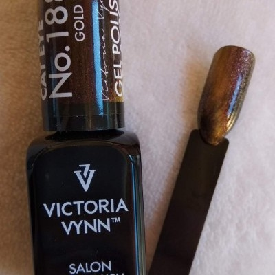 Victoria Vynn Verniz Gel Nº 188 - Gold Fall - Cat Eye - Magnético - 8 ml