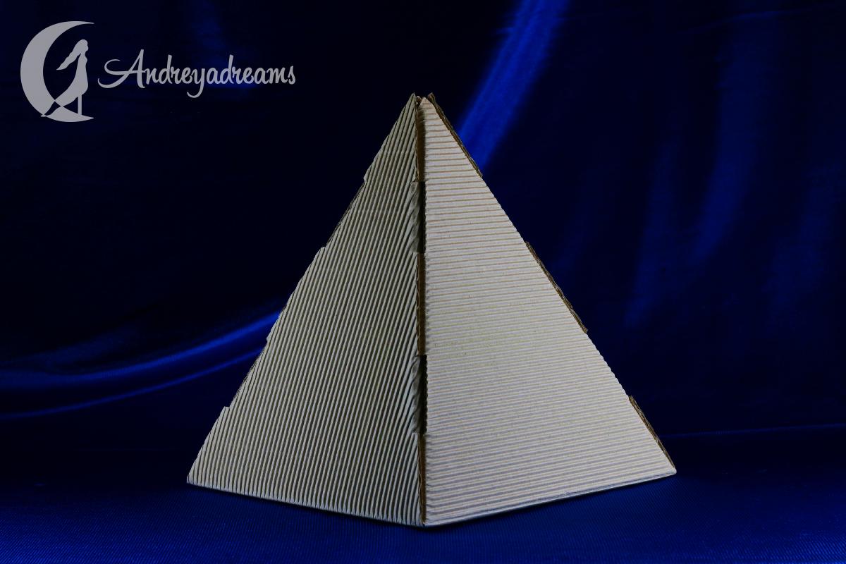 Pirâmide Versátil Cerâmica Branca 20cm
