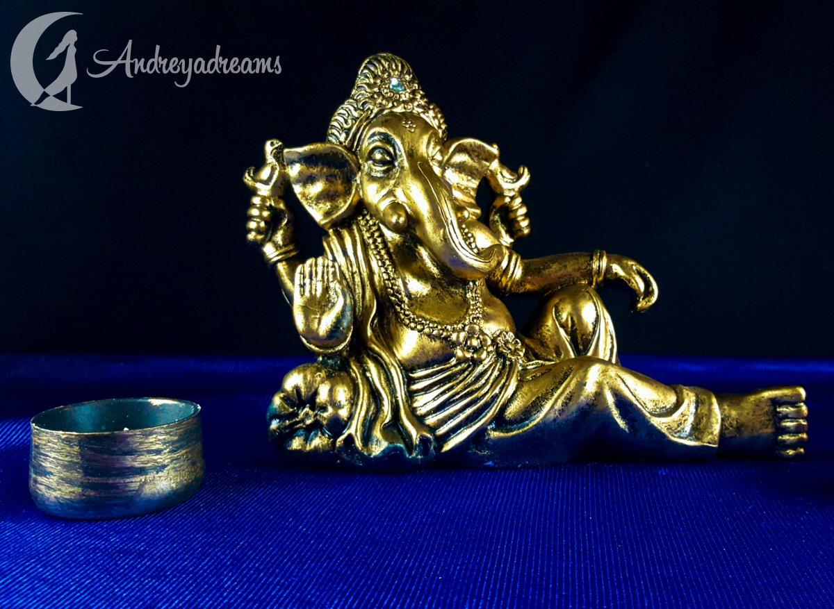 Estátua Ganesha Dourado