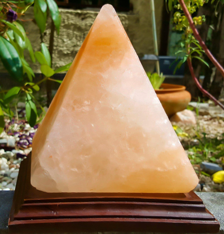Candeeiro de Sal em Forma de Pirâmide 3 a 4Kg