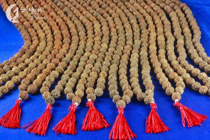 Japamala com 108 Contas de Rudraksha
