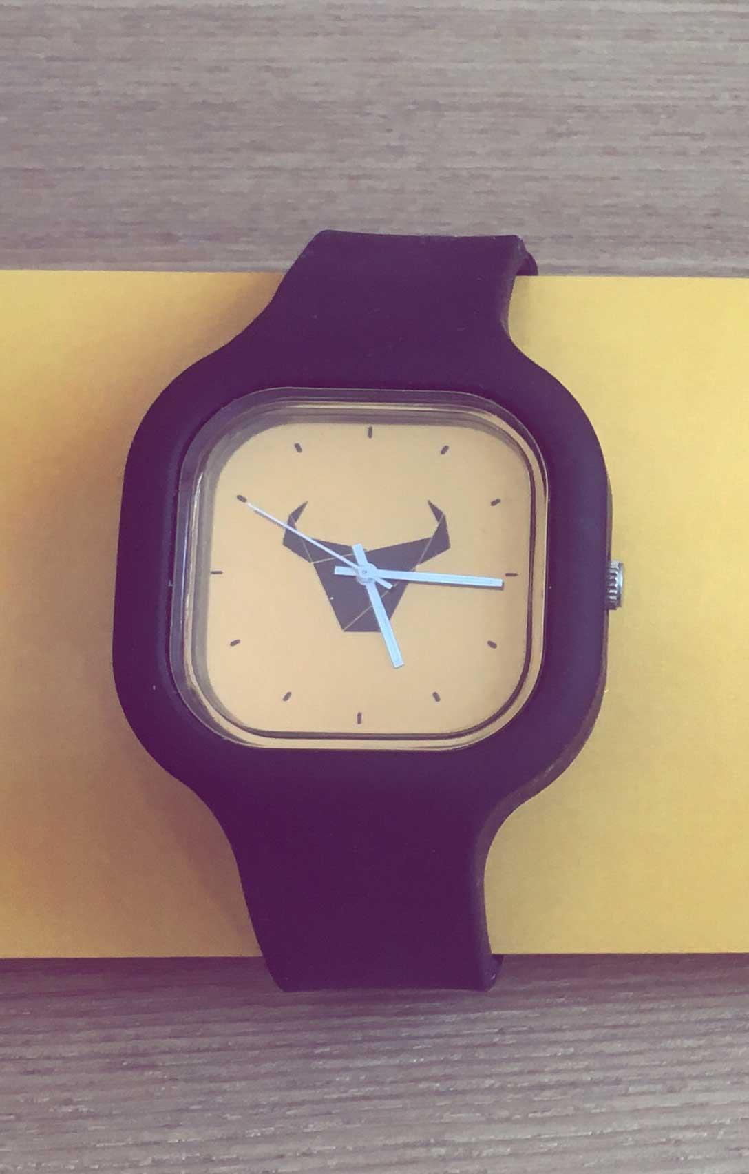 """Relógio """"Toiro"""" / Rapaz"""