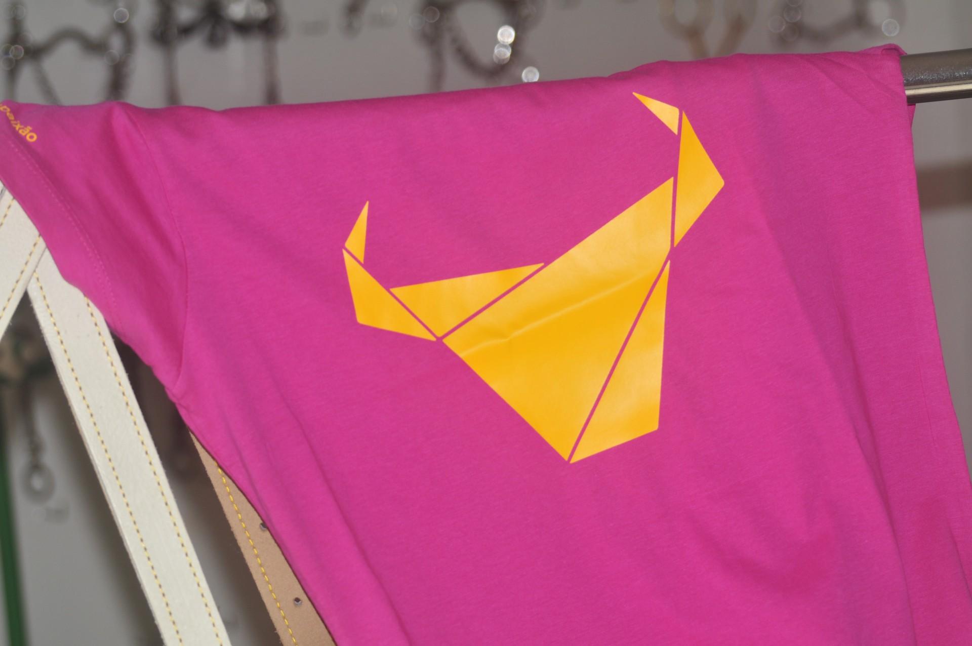 ESGOTADO T-Shirt Toiro / Mulher / Rosa